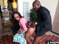 Horny Dude Deeply Drills Booty Ebony 1